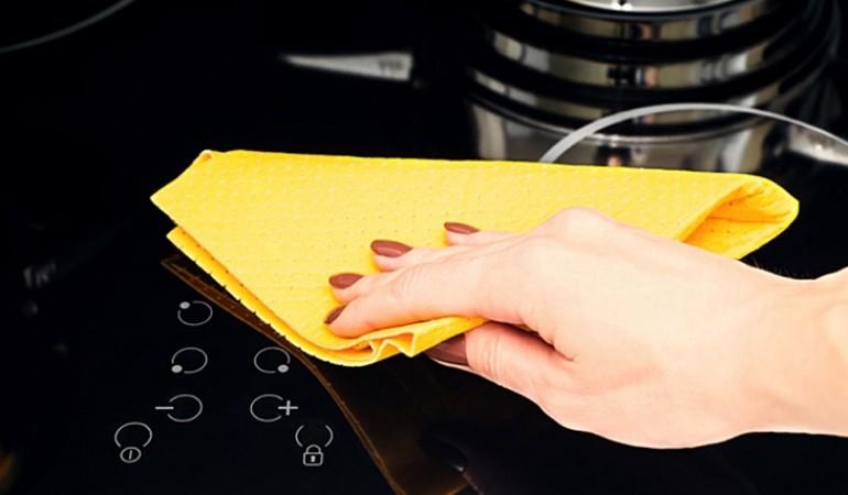Cách vệ sinh bếp từ âm